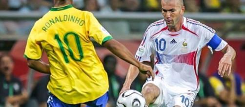 Ronaldinho y Zidane en mundial de Alemania 2006. vía-defensacentral.com