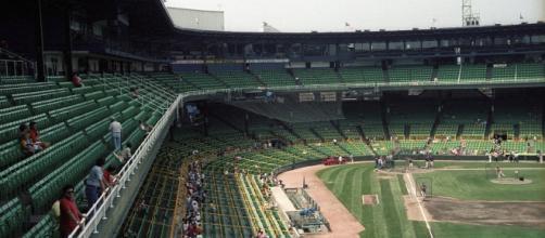 Streaking teams fill ballparks. Johnmaxmena2 via Wikimedia Commons