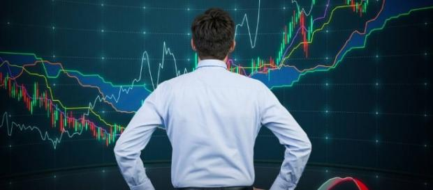 A taxa Selic caiu e bolsa atinge alta histórica