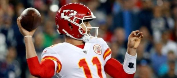 Alex Smith Wearing Revolutionary Helmet In Season Opener - fanragsports.com