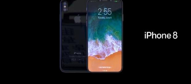 Apple iPhone 8 - YouTube/Enoylity Channel
