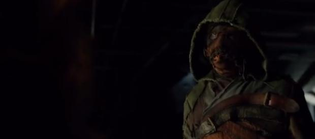 Arrow: S5E2 - Ragman Saves Green Arrow - YouTube/The Flash / Arrow Scenes