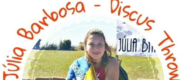 Júlia Barbosa disputa provas de atletismo