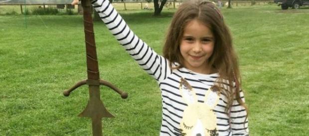 CINE SE ESTRENA ANTENA3TV   Una niña de 7 años encuentra una ... - antena3.com