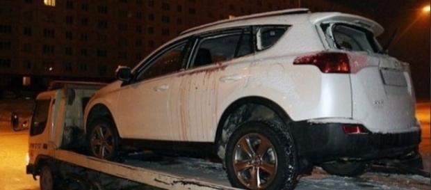 Homem detona granada dentro de carro (Foto: internet)