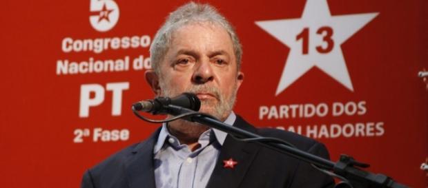 Questionamento que fica é candidatura de Lula