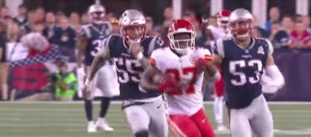 Rookie Kareem Hunt had an impressive NFL debut with three touchdowns in the Chiefs' 42-27 win over the Patriots. [Image via NFL/YouTube]