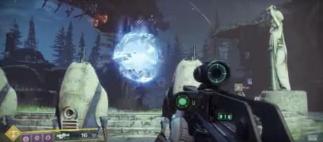 'Destiny 2' offers new and powerful exotic weapons. Photo via Arekkz Gaming/YouTube