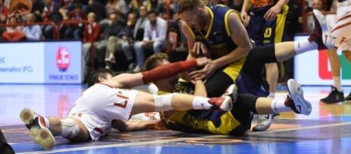 botte da orbi all'Europeo - basketinside.com