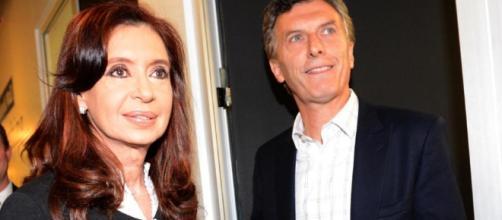 Cristina y Macri en Olivos, en un encuentro de cara a la transición - elmercedinodelavilla.com