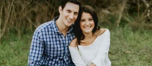 Houston couple cancels wedding, donates food to victims of Hurricane Harvey | Photo via YouTube