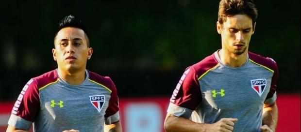 Cueva e Rodrigo Caio trocam farpas pela imprensa