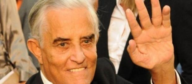 Ex-governador Joaquim Roriz vive drama