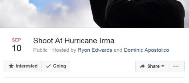 Florida, c'è chi spara all'uragano Irma