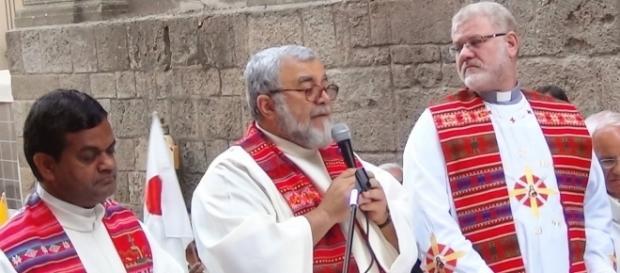 Padre Enzo Mangano alla Messa delle Nazioni