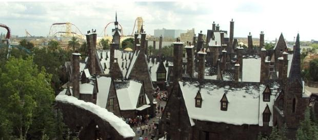 The magcal world of Harry Potter [GFDL or CC BY 3.0 Wikimedia Commons | Mel 23 (Own work)