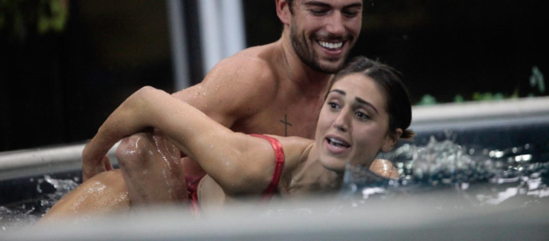Capodanno in love per moser e rodriguez un dettaglio - Capodanno in piscina ...