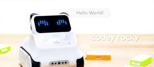 Codey Rocky your coding companion (via YouTube - Makerblock)