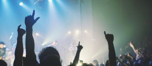 New band mixes metalcore and emo rock (via PixaBay - Free-Photos)