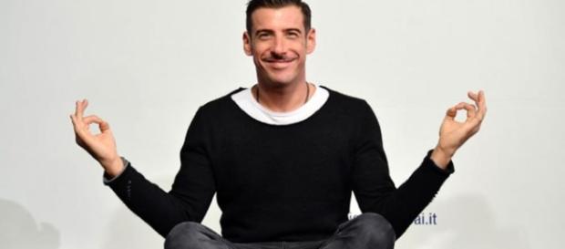 Francesco Gabbani ferito da Baudo