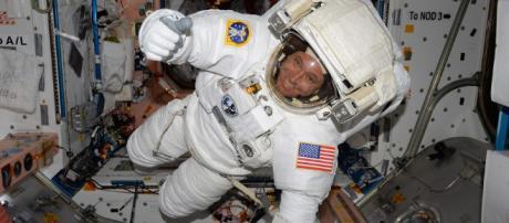 Existen efectos negativos en el cerebro cuando pasa mucho tiempo en el espacio. - clarin.com