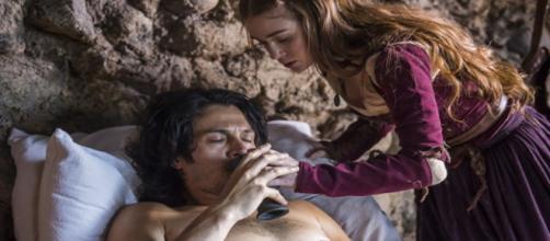 Amália encontra Afonso, que esconde que é o príncipe