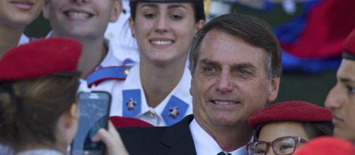 """Bolsonaro defende o auxílio-moradia e diz que usava para """"comer gente"""" (crédito: internet)"""