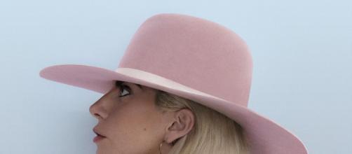 """Lady Gaga retorna com a turnê """"Joanne"""" neste sábado, em Barcelona"""