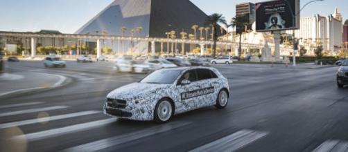 Mercedes construyó su propio asistente de voz, junto con una nueva experiencia de usuario para los conductores