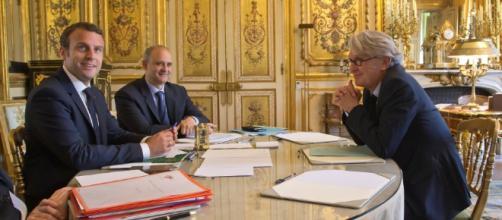 Réforme de droit du travail : Emmanuel Macron consulte les ... - dossierfamilial.com