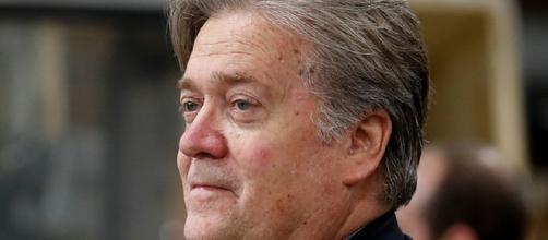 Renunció el polémico asesor de Trump, Steve Bannon | soychile.cl - soychile.cl