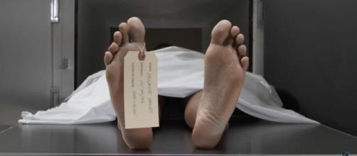 Spanish prisoner declared dead, wakes up in morgue. - [Image credit: InformOverload / YouTube screencap]