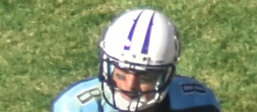 Will Marcus Mariota experience headset issues in New England? - [Photo Credit: Erik Drost on Wikimedia Commons]