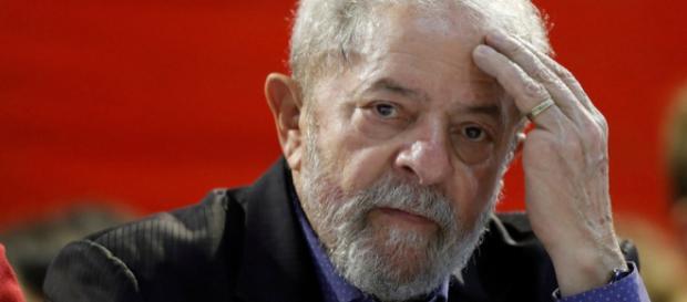 Destino de Lula é incerto até o próximo dia 24