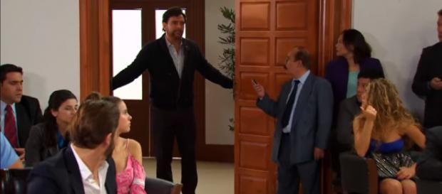 Leopoldo salva Carlos e confessa crime