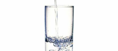 Beneficios de tomar agua tibia en ayunas | Salud - facilisimo.com