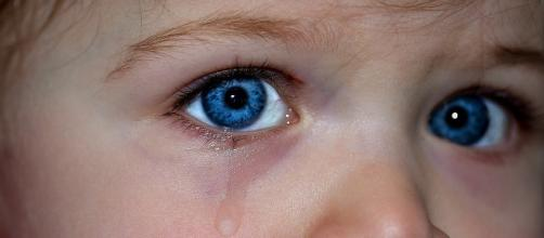 Children neglected in dangerous situation/Photo via Myriam/Pixabay