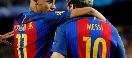 Neymar y Messi tienen contacto