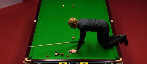 World Snooker Championship: Anthony McGill climbs on table - BBC Sport - bbc.co.uk