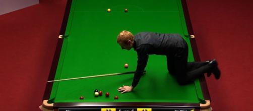 World Snooker Championship: Anthony McGill climbs on table - BBC Sport - bbc.co.uk