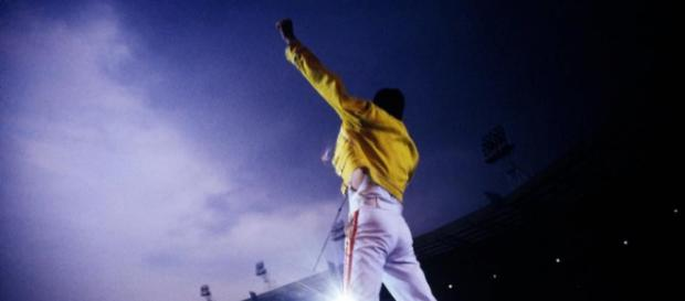 Webley con Freddie Mercury (Foto - faremusic.it)