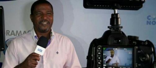 Carlinhos Star em gravação para o programa 'Coisa Nossa'. - Foto do perfil no Facebook