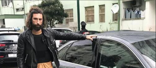 Vittorio Brumotti dopo l'aggressione a Napoli
