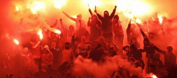 Die Fans von Galatasaray gelten als besonders fanatisch- vor allem gegen Fenerbahce (Quelle: casualultra.com)