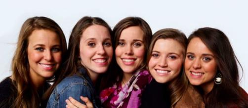 "Joy Duggar still confusing fans over pregnancy | Youtube TLC ""Counting On"""