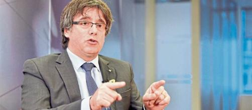 Rajoy explora vías legales para impedir que Puigdemont vuelva a presidir el Parlament