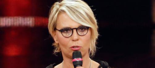 Sanremo 2017, Maria De Filippi: piccolo incidente dietro le quinte ... - retenews24.it