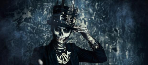 Lizenz Fotolia / © Andrey Kiselev: skeleton in tail-coat