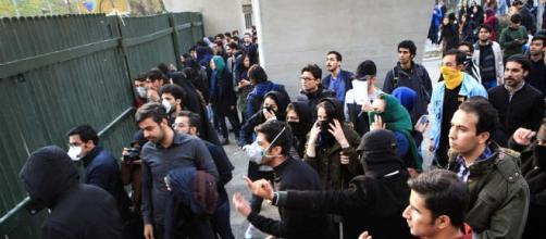Es la austeridad la verdadera causa de las manifestaciones en Irán. - com.ni