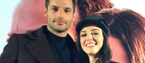 La rivelazione sorprendente di Ozge Gurel sul fidanzato Serkan Cayoglu